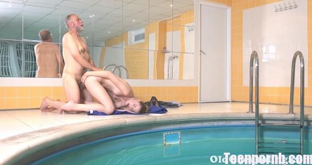 OldGoesYoung Glory – Hotties Glory Likes to Swim in the Pool