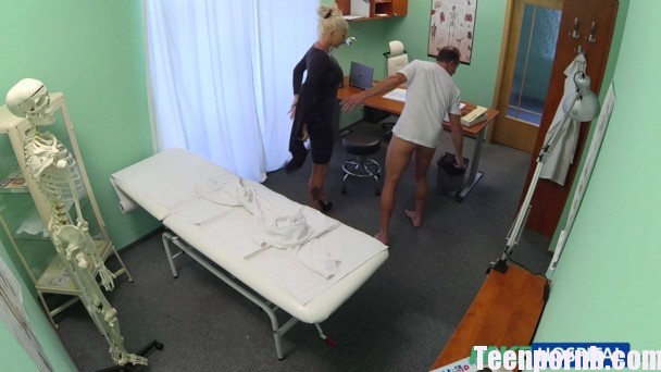 FakeHospital E200 Dirty doctor fucks busty porn star