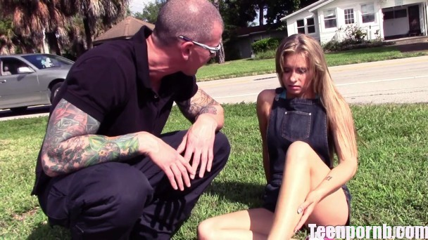 ExxxtraSmall Kaylee Jewel Tiny Teen Takes a Tumble 3gp mobil spankbang pornhub download