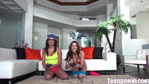 PervsOnPatrol Leah Gotti, Madi Meadows Tribbing Gamer Teens beeg spankbang 3gp mobil porn (2)