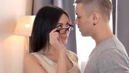 4kDesire Wankz Sheri Vi Tantalizes Nikolas With Her Oral Skills