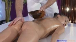 MassageRooms Eveline Dellai Massage Porn HD