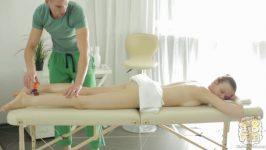 Kin8tengoku Peach Oil Massage Salon Todays Guest Ms.Peach