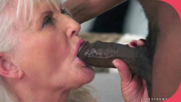 LustyGrandmas Judi, Carlos Leaning Into Judi mature Porn 3gp mobil video download (1)