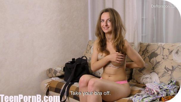 defloration-margaret-robbie-virginity-confirmation-3gp-mobil-sex-virgin-girl-porn-videos-xvideos-xhamster-spankbang-beeg-4