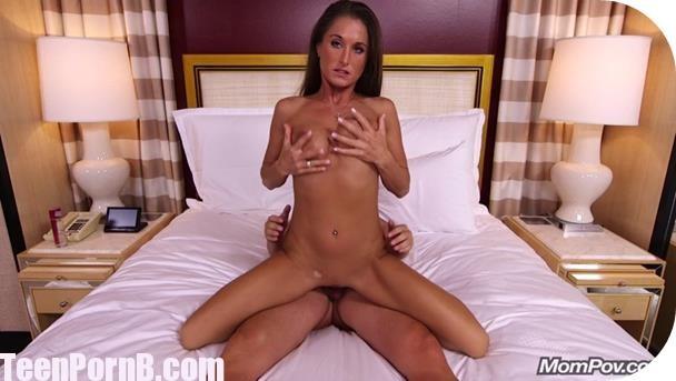 MomPov Mandie Hot Cheetah cums hard during anal sex