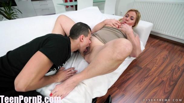 mature porn pinkworld lara croft sex video