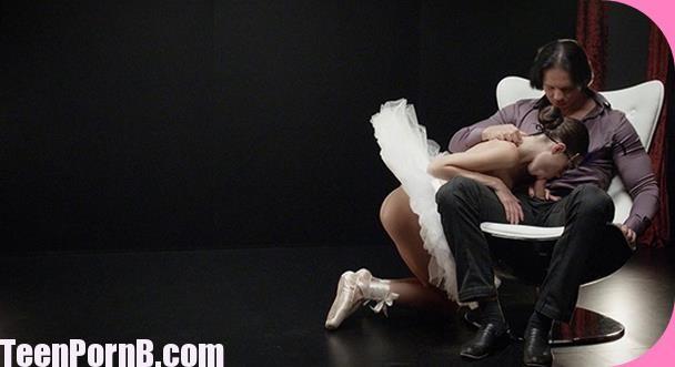 Sensual fetish fuck, creampie for flexible Ukrainian ballerina Jessica X