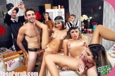 DareDorm Jasmine Vega, Amilia Onyx, Zoe Clark Dorm Room Fucksgiving