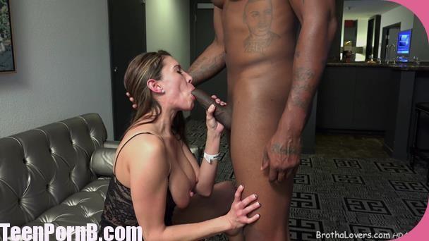 naked women in thigh highs having sex