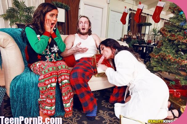 MomsBangTeens Naomi Woods, Starri Knight Christmas Surprise