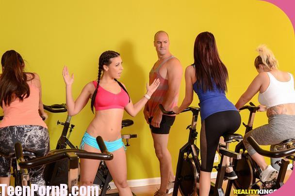 Rachel Starr Sneaky Spinning
