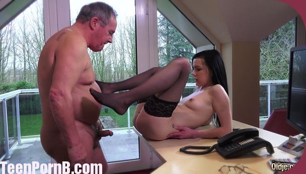 No542 Luize Saint Oldman, Ung pige Easy Teen sekretær Teen Pornb-9420