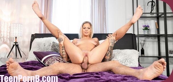 DaneJones Julia Parker Blonde orgasm hunter is satisfied