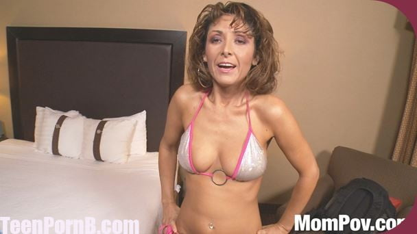 Amber mompov